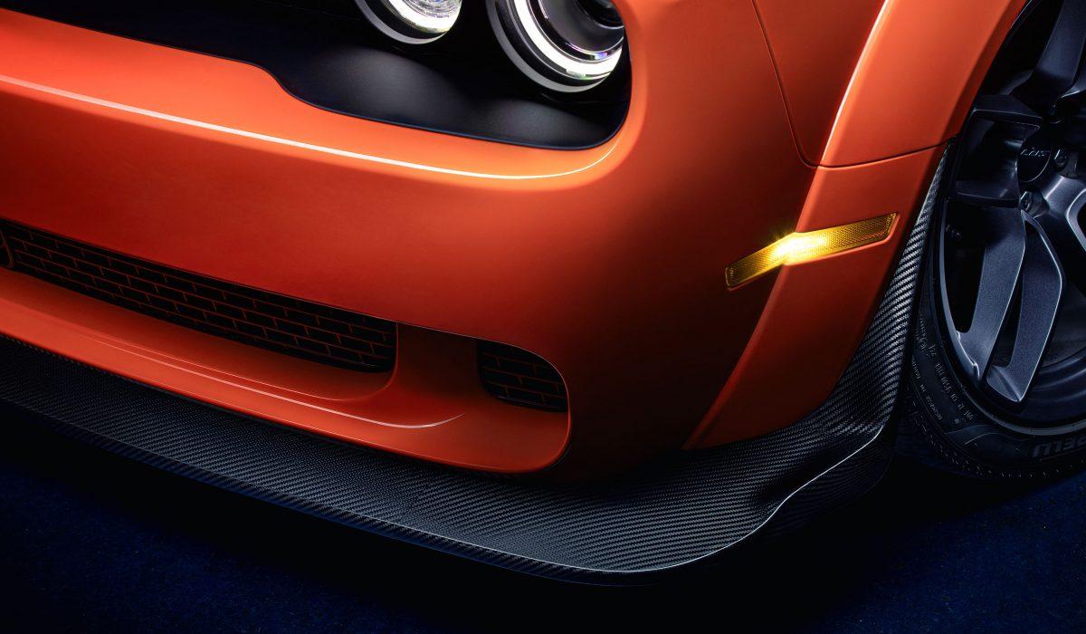 01-Carbon-AEC-Dodge-Challenger-SRT-Hellcat-XR-AECXR-Lippe
